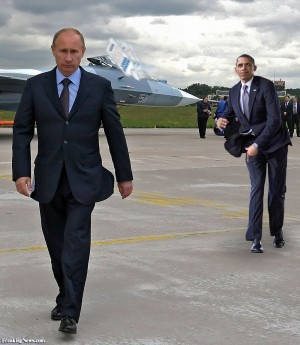 Barack-Obama-Throwing-an-Absolut-Bottle-at-Vladimir-Putin-108323